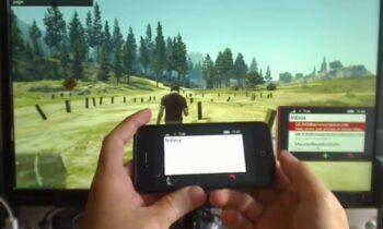 Dùng điện thoại di động trong GTA V bằng điện thoại di động của chính mình